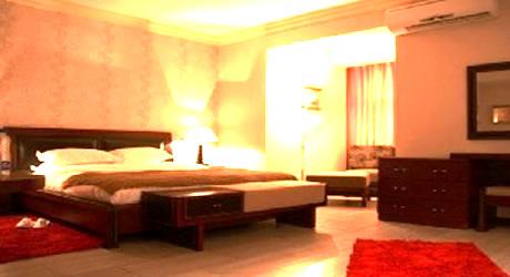 Room @ B-Jay's Hotel