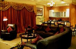 Victoria Crown Plaza Hotel Presidential Livingroom
