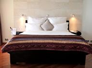hotel bon voyage deluxe room