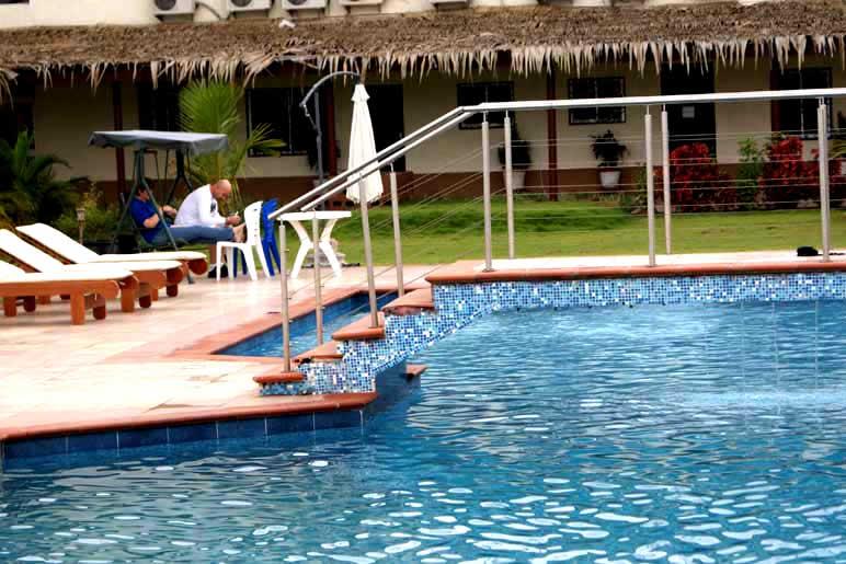 Axari Hotel pool side