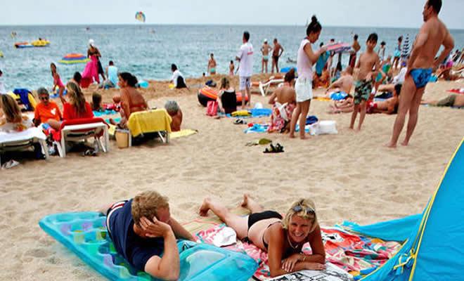 bargain travel: best UK cheap bargain holidays